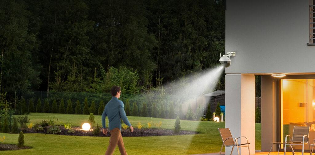 Strobe light for enhanced protection.